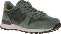 Nike Turquoise Internationalist Premium Womens Running onto the scene oozing retro vibes, the Nike Internationalist Premium lands fresh for A/W. The iconic profile arrives in turquoise suede featuring embroidered diamond details. A supportive Phyl http://...