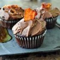 Dark Chocolate Bacon Cupcakes... I think I've found the perfect cake for Gabe's 13th birthday.