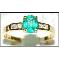 Diamond Unique Emerald Solitaire 18K Yellow Gold Ring [RS0126]