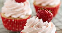 Easy Strawberry Cupcakes with Strawberry Buttercream1