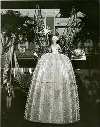 Vintage Disneyland Main St. Electrical Light Parade. What an awesome job!