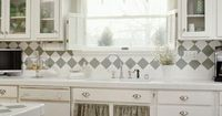 Even this simple sink looks so pretty with the accents of silver/grey all over the place...