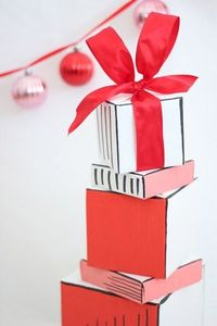 Get inspired with these 20 gift wrapping ideas perfect for all of your holiday packaging needs at The Sweetest Occasion