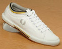 Fred Perry White/Black Tipped Cuff Leather Fred Perry White/Black Tipped Cuff Leather TrainersWhite Limestone Yellow BlackWhite leather uppers with trademark Fred Perry laurel wreath logo embroidered in grey. Grey yellow and black stri http://www.compares...