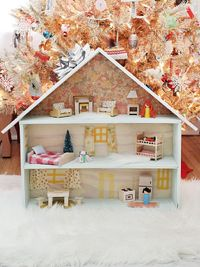 Darling DIY Dollhouse