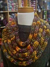 Gina Brown's : Ropes Cowl = Found the knitting pattern! It's beyond my level, but great inspiration.