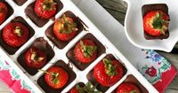 Ice cube trays: They're not just for ice anymore. Check out all the ways these bloggers have used the plain old tray to make delicious and decorative treats.