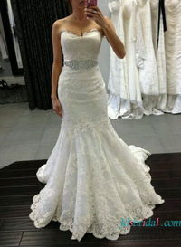 Scalloped lace mermaid wedding dress with sweetheart neck