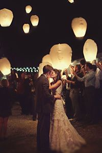 Paper Lantern Wedding Send Off. I NEED TO FIND OUT HOW I CAN MAKE THIS HAPPEN. HOW MAGICAL!!?!