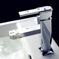 Diamond Shape Chrome Finished Solid Brass Bathroom Sink Faucet with Single Handle