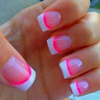 One of the coolest colors, when we talk about making a nails, is the neon colors. Bright cool and fashionable at first, just check out below how amazing are thi