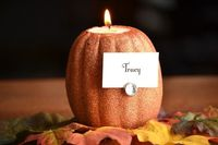 Have you started your fall decorating yet? I just started the process of getting some pumpkins out and adding a few little touches of fall to my home. I knew th