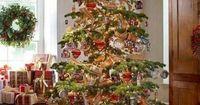 Beautiful simple country Christmas tree
