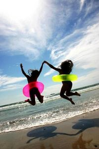 Cute I wanna take a picture like this with my best friend!