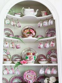 That Inspirational Girl: I love these kinds of nooks!! (Especially decked out in pink!!)