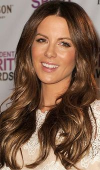 Kate Beckinsale wore her luxurious, shiny mane of hair in long, soft layers at the 2012 Independent Spirit Awards nominations press conference.