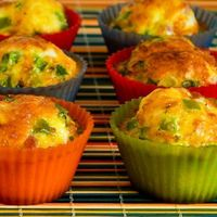 I love to grab something like egg muffins for a quick breakfast, and Ham, Cheese, and Green Bell Pepper Egg Muffins in the fridge are a great way to start out t