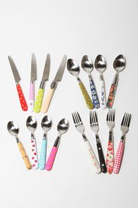 I def. love this cutlery set. I don't think Mike would like it so much though..