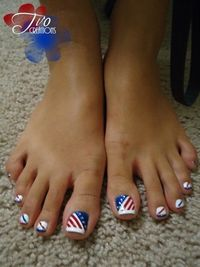 Hello Darlings! I've been looking all over the internet, looking for some of the best nail art designs for Memorial Day weekend and for the Fourth of July! I th