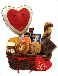 Surprise him/her with this sweetie breakfast. Sweet Breakfast contain: chocolate torsade, Chocolate Brownie, cinnamon roll, Caramel Donuts, Strawberry Donuts, Mini Nutella, Kaak, Macaw orange, 3in1 Nescafe , 2in1 coffee, Stick balloon. http://www.giftblo...