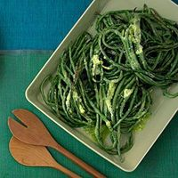 Time: 1 hour. You can make this dish with regular green beans, but long beans look more handsome.