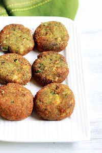 paneer cutlet recipe with mint leaves. Tasty, filling and healthy snack with cottage cheese and mint leaves.