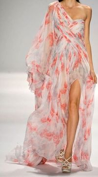 See the entire collection from the Tadashi Shoji Spring 2012 Ready-To-Wear runway show.