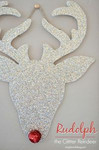 Need a little glitter in your life this Christmas? Make this Rudolph the Glitter Reindeer for your home decor in just minutes!