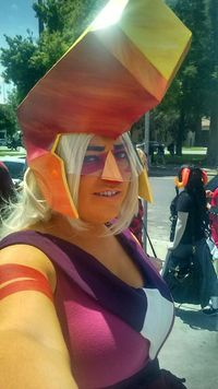Steven Universe jasper cosplay (why is a Homestuck cosplayer always in the background of a Steven Universe cosplayer?)