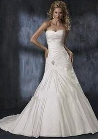 Beautiful! I definitely love from the hip area and up, not sure how I feel about the bottom... It's close though! Jeez I feel like I'm never getting married! Haha