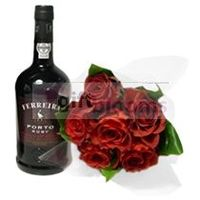 Sophisticated and Lovely! Exclusive box containing a bouquet of 6 roses Colombian terracotta and a Port wine.