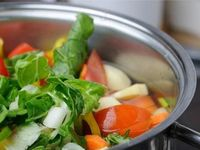 """Stock-making 101 �€"""" How to make soup stocks"""