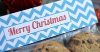 Printable Christmas bag topper turns any treat into a special gift. Perfect for the classroom, teachers, neighbors and co-workers.