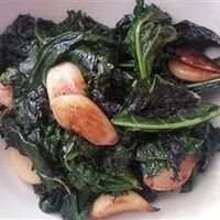 Garlic Kale Recipe-I made this tonight and loooove it!!! Just add salt to the recipe as you're cooking it. Yum, yum. Yum.