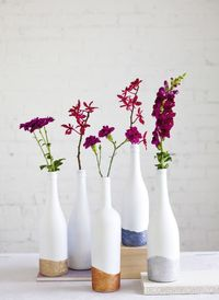 glitter wine bottles diy - decorate with flowers