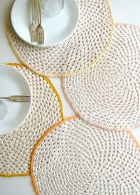 crocheted circle placemats | going home to roost