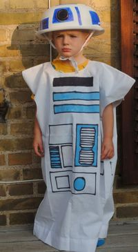 R2D2 costume tutorial - no sewing!