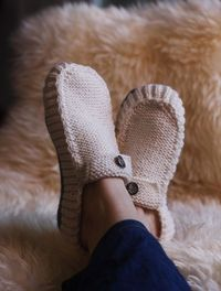 All Seasons Slippers Knitting Pattern by byEline on Etsy, $6.49