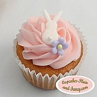 bunny cupcake Happy Birthday Dena, this one is for you..mom