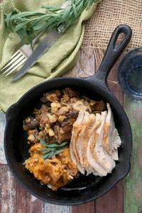 Apple Bacon Stuffing - good for the holidays or every day! via
