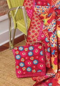 "Quilt Magazine | Quilt Magazine » Blog Archive » Quick Quilts#85 �€"" Bright Blossoms Tote"