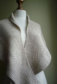 Ravelry: Miss Potter pattern by Laura Aylor Spend $25 or more in my Ravelry shop in one transaction and you will automatically receive 25% off your entire purchase!