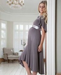 Yes! You can do pretty and elegant while you're pregnant! :)