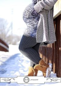 winter maternity photos, maternity photos and winter.