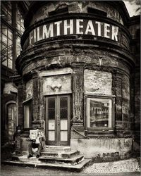Stunning old theater. I would love to wander around the inside of this place. Such a beautiful building.