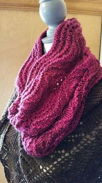Ravelry: Can't Be Bothered Cowl pattern by Kristin Niemi