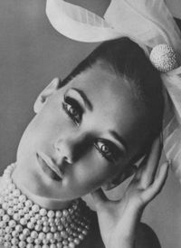 marisa berenson; irving penn 1965 #pearls #style #fashion