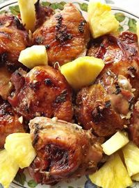 Want to take a trip to Hawaii without having to leave your house? This Hawaiian chicken may just be able to help with that!