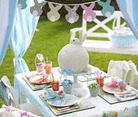 Planning your Easter party in advance will help make it a success. Create a beautiful setting with matching invitations, decoration and delicious finger food.