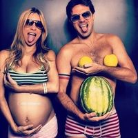 coolest pregnancy photo haha So have to do this when I get bigger